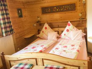 Großes, bequemes Doppelbett